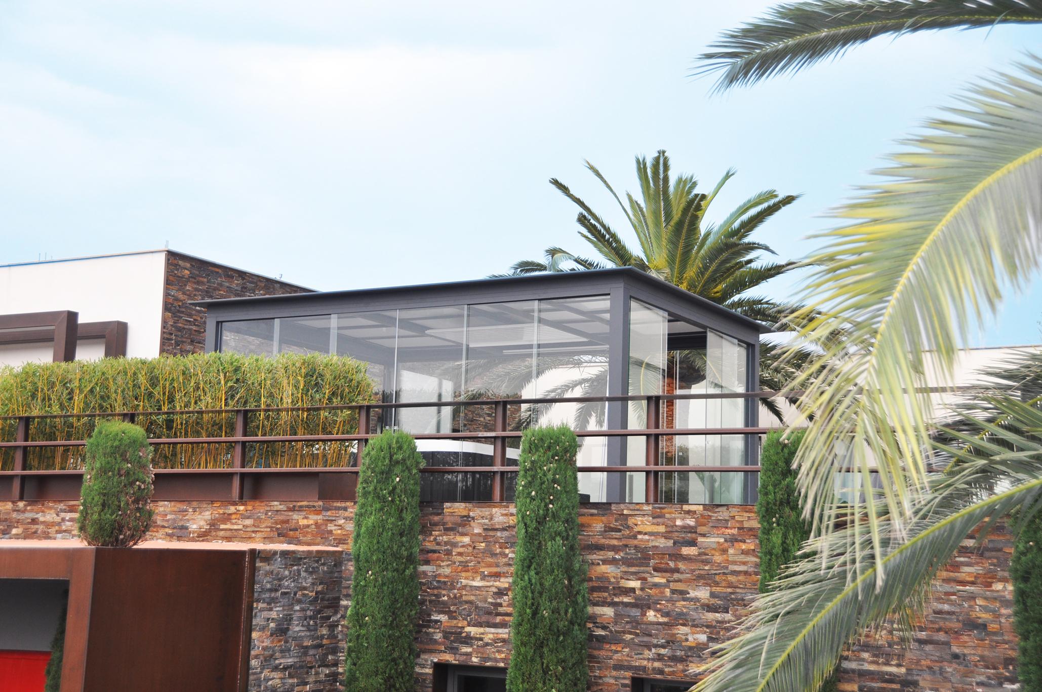 terrasse moderne avec pergola