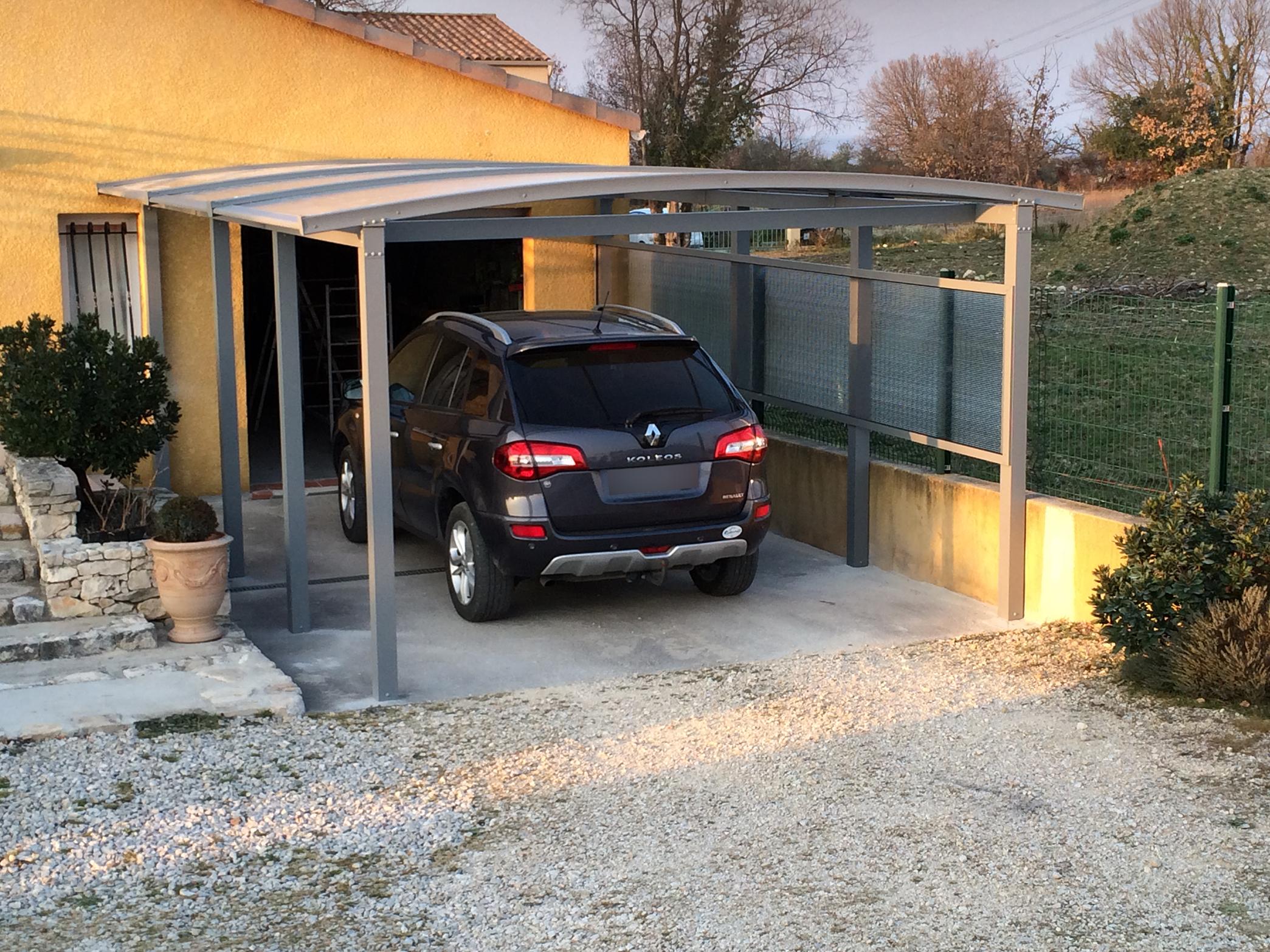 maison avec abri carport