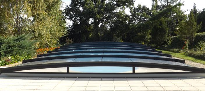 cubierta de piscina baja y curvada Azenco